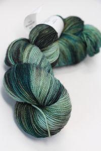 Meadowcroft Rockshelter Sock Superwash Merino Yarn in Bronze Gargoyle (066)
