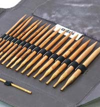 ADDI OLIVE WOOD CLICK SET