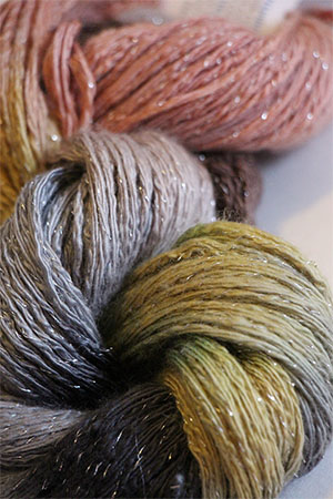 Artyarns Cashmere Glitter knitting yarn in 1020 Silver