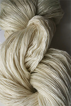 Artyarns Ensemble Light silk & Cashmere Yarn 2301 Bone