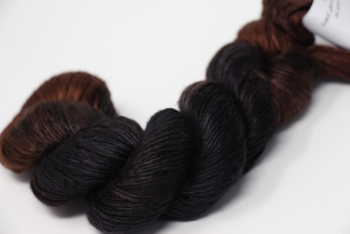 Artyarns Regal SIlk | H19 Charcoal Browns