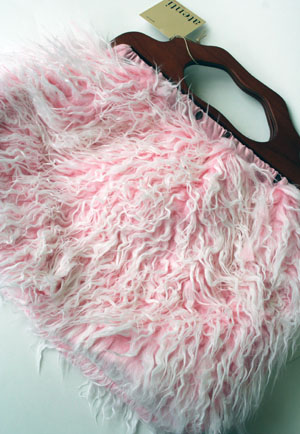 Shaggy Pink Carpet Bag from Atenti