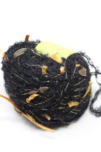 Be Sweet - Ribbon Ball  Black Gold
