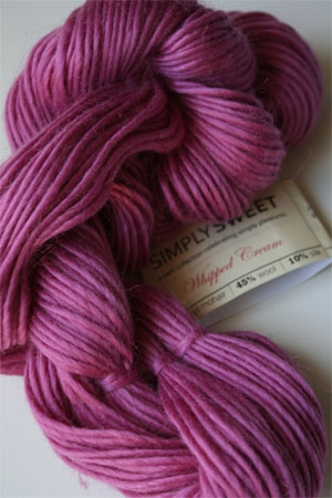 Be Sweet Simply Sweet Whipped Cre in 802 Hibiscus