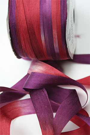 Silk Ribbon knitting yarn in Red Velvet