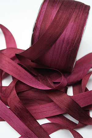 Silk Ribbon knitting yarn in Garnet