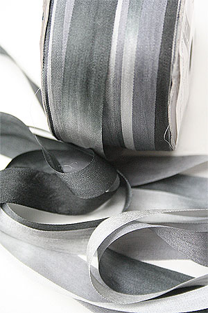 Silk Ribbon knitting yarn in Silver Anniversary