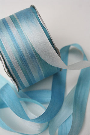 Silk Ribbon knitting yarn in Glacier Martini