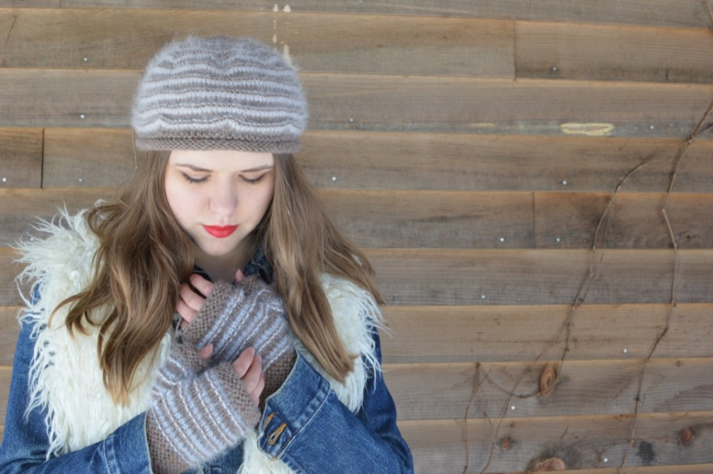 Cinnamon Loop Hat & Mitts