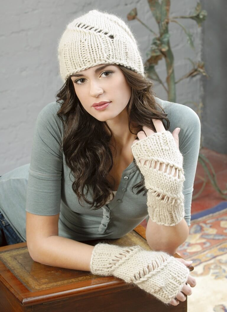 Blue Sky WORSTED HAND DYE ALPACA/MERINO Pattern HAT AND WRISTLETS