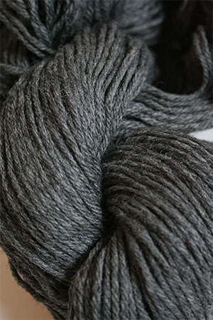 CASCADE 220 8400 Charcoal Grey