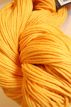 Cascade 220 in 7827 Goldenrod 100% Peruvian worsted weight wool yarn knitting yarn