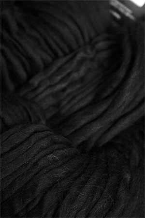 Cascade Magnum Yarn in BLACK