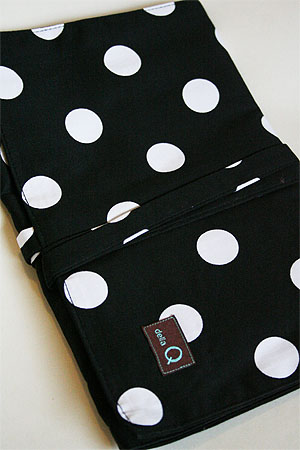 Della Q Double Point Roll Up Case (#158) - Black and White Dot