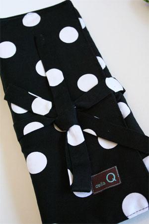 Della Q 151/161 Straight Needle Roll in 096 Black and White Dot!
