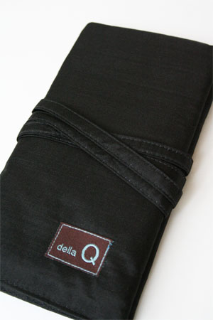 Della Q Interchangeable Needle Case in Black Silk