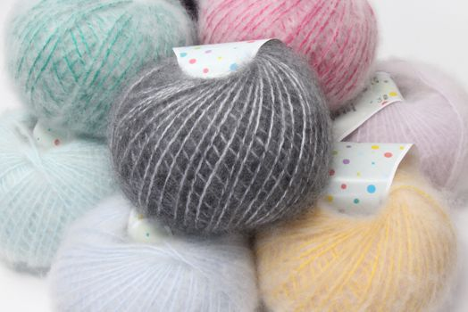 PEEPS Fiber Brushed CASHMERE & WOOL Yarn