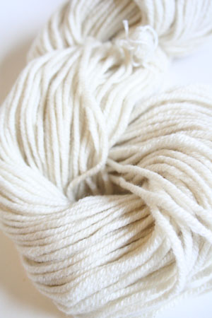 Jade Sapphire 8 Ply Cashmere Bulky 00 Ivory