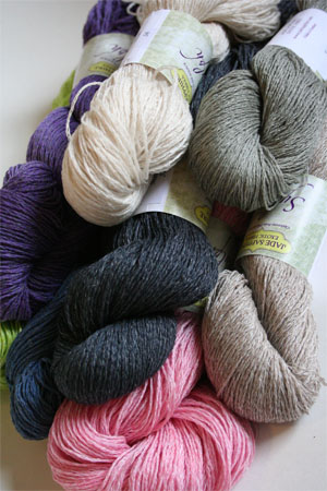 Knitting With Bulky Yarn Pros and Cons - About