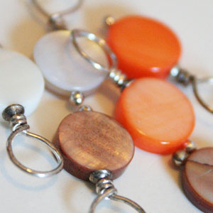 Knitifacts Mother of Pearl - Onyx  Stitch Markers