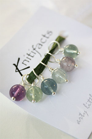 Knitifacts Rainbow Fluorite   Stitchmarkers