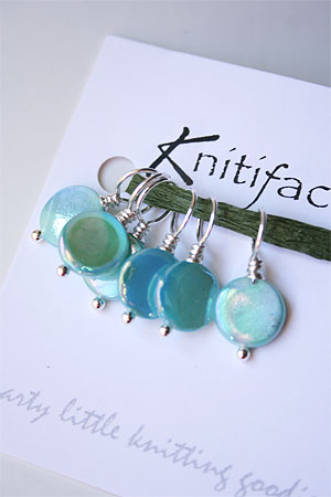Knitifacts Mother of Pearl - Turquoise  Stitchmarkers