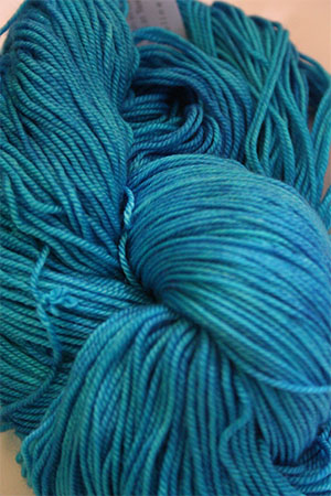 madelinetosh Vintage yarn in Blue Nile