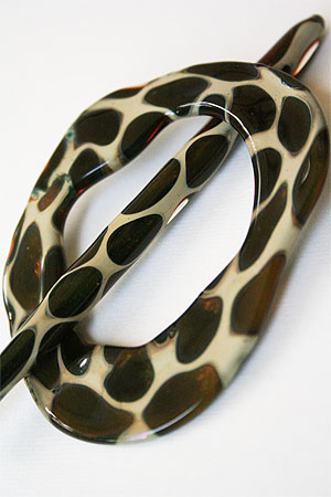 Moving Mud Shawl Pin Olive Leopard