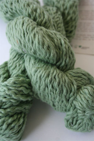 Pakucho Flamme Yarn in Verde Spring