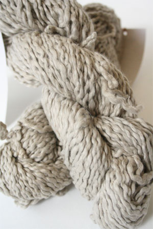 Pakucho Flamme Yarn in Silver Pearl