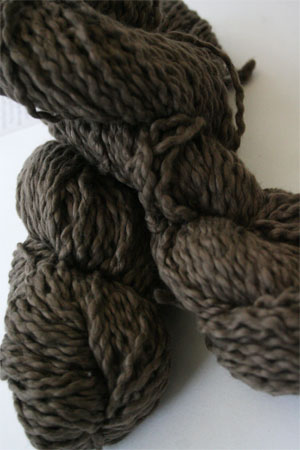 Pakucho Flamme Yarn in Coffee Bean