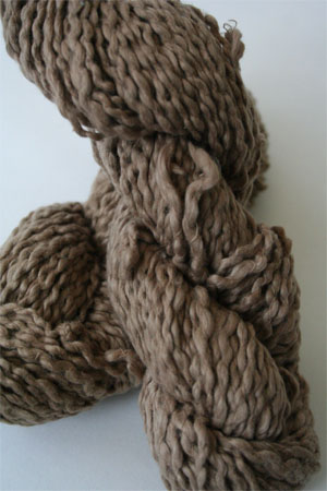 Pakucho Flamme Yarn in Cafe Luz