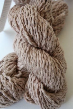 Pakucho Flamme Yarn in Mauve Dust