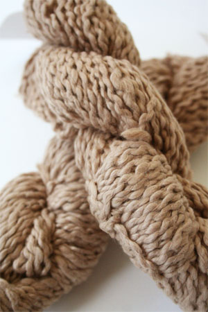 Pakucho Flamme Yarn in Desert Sand