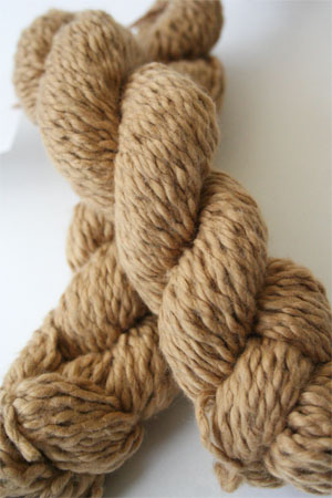 Pakucho Flamme Yarn in Golden Dune