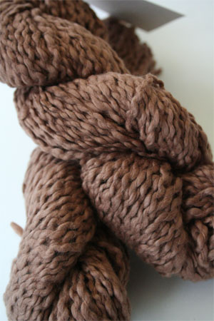 Pakucho Flamme Yarn in Roasted Cashew