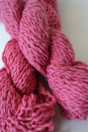 Pakucho Flamme Yarn in Wild Rose