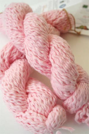 Pakucho Flamme Yarn in Cotton Candy