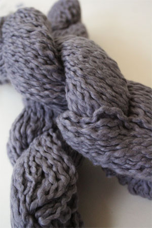 Pakucho Flamme Yarn in Periwinkle Plum
