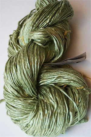 Peau De Soie :: Silk Yarn :: New Leaf